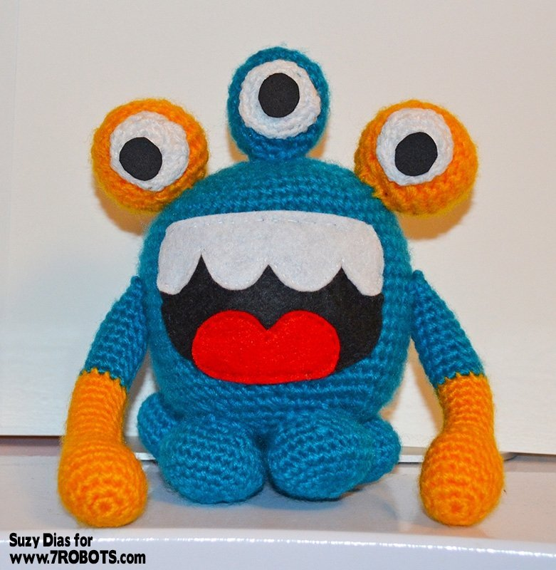 crochet-3-eyed-monster-1