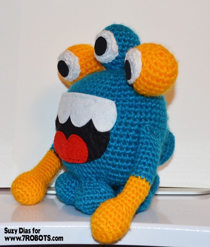 crochet-3-eyed-monster-2